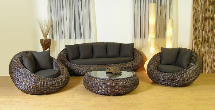 Мягкая мебель с плетеными элементами