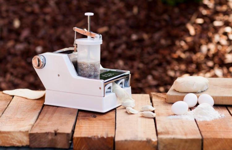 Ручной пельменный аппарат для дома.