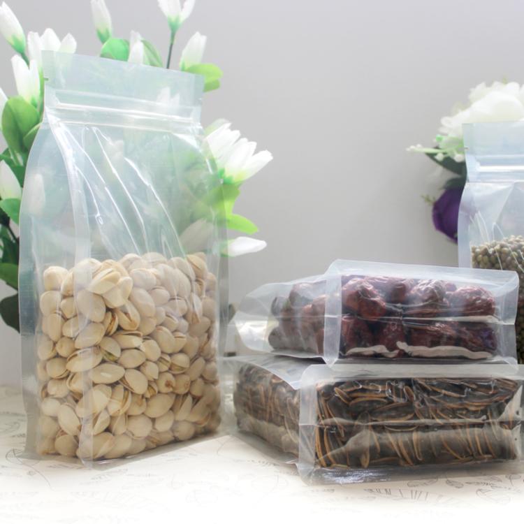 Пластиковая упаковка сыпучих продуктов
