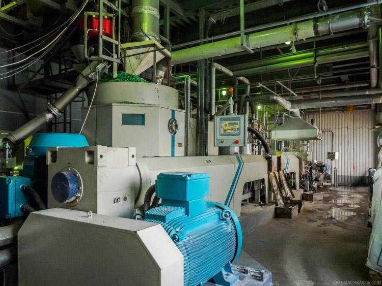 Оборудование для переработки пластика.