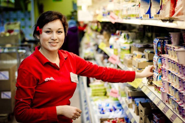 Продавец продовольственных товаров