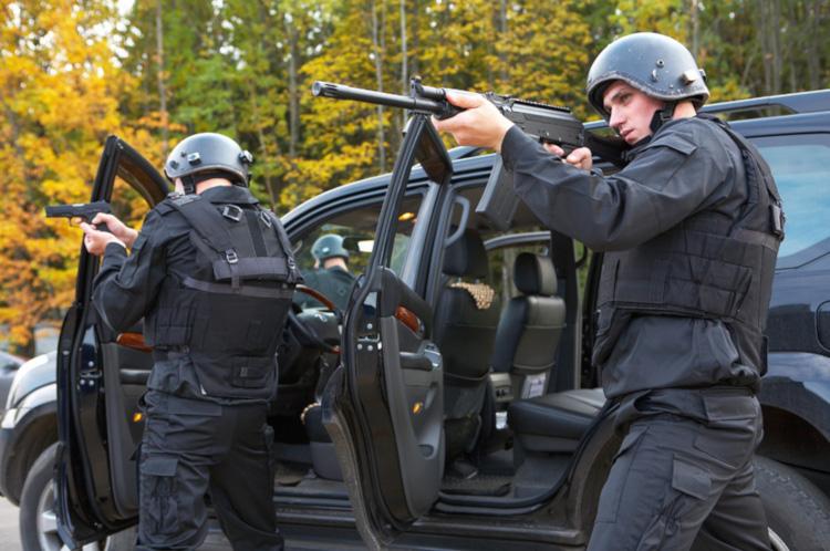 Охранники снайперы работа ЧОО