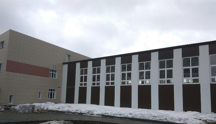 Осмотр здания школы