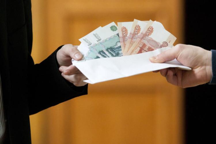 Выдача зарплаты наличными в конверте