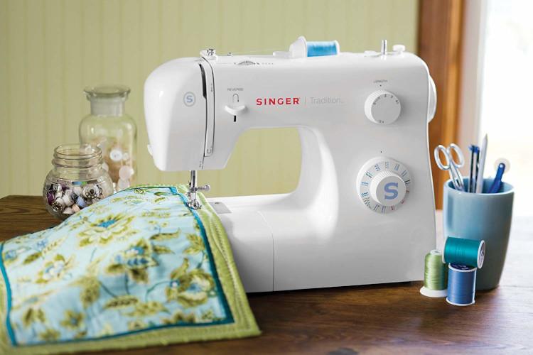 Швейная машина в домашних условиях