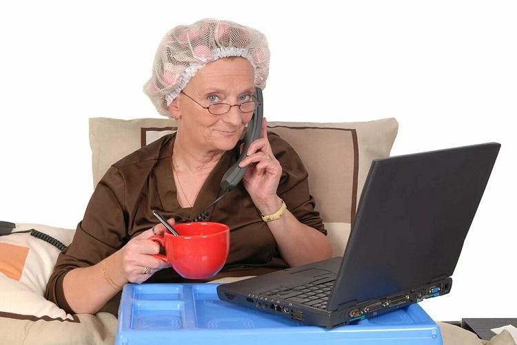 Как заработать в интернете пенсионеру без вложений